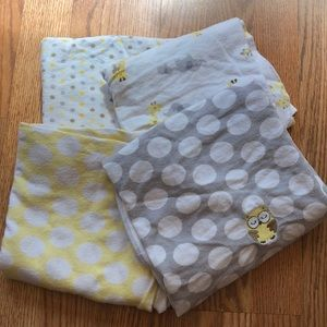 Gender neutral receiving blankets